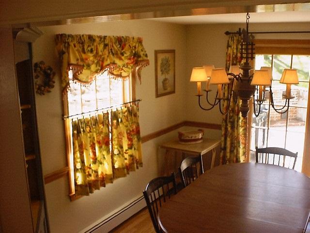 можно украсить шторами кафе гостиную