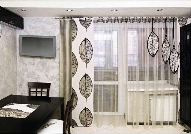 сочетание японских панелей и тюля в обычной квартире
