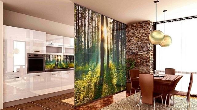Японские шторы-панели с 3Д печатью в качестве оригинальных и стильных мобильных перегородок