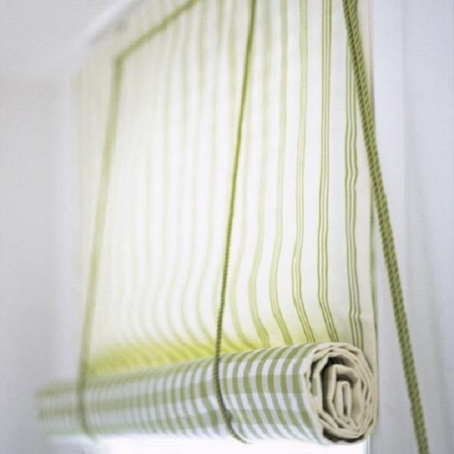 Для изготовления рулонных штор своими руками требуется минимальное количество ткани