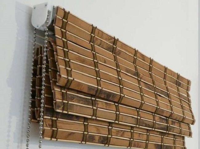 бамбуковые шторы могут собираться как римские