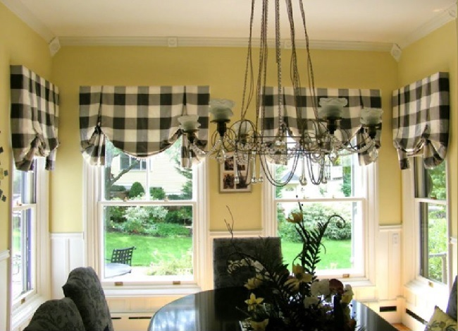 эркер с английскими шторами