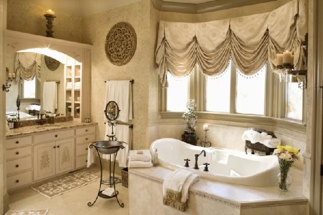английские шторы на окна в ванной