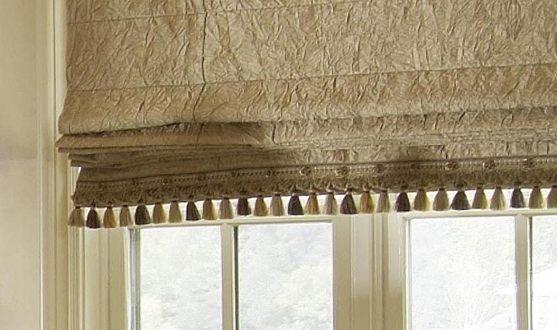 Бахрома на нижнем крае римских штор