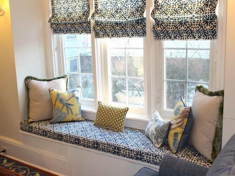 Греческие шторы в тон с мебелью