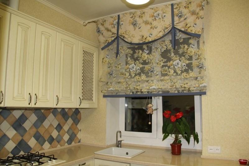Прозрачная римская штора с принтом как у ламбрекена