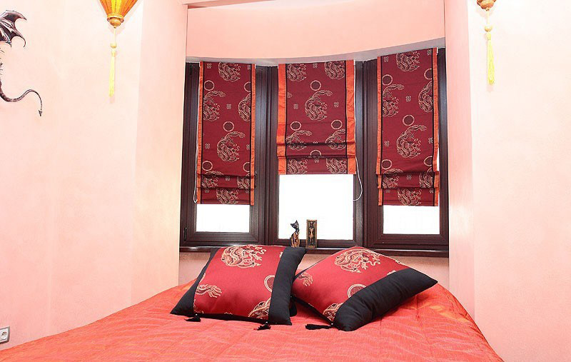 Римские шторы в маленькой комнате