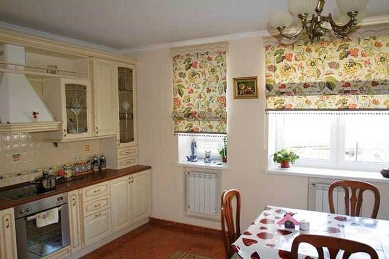 Шторы для кухни с цветочным рисунком