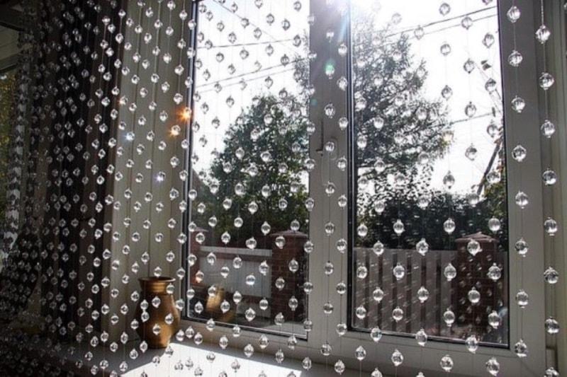 Хрустальные шторы на пластиковое окно