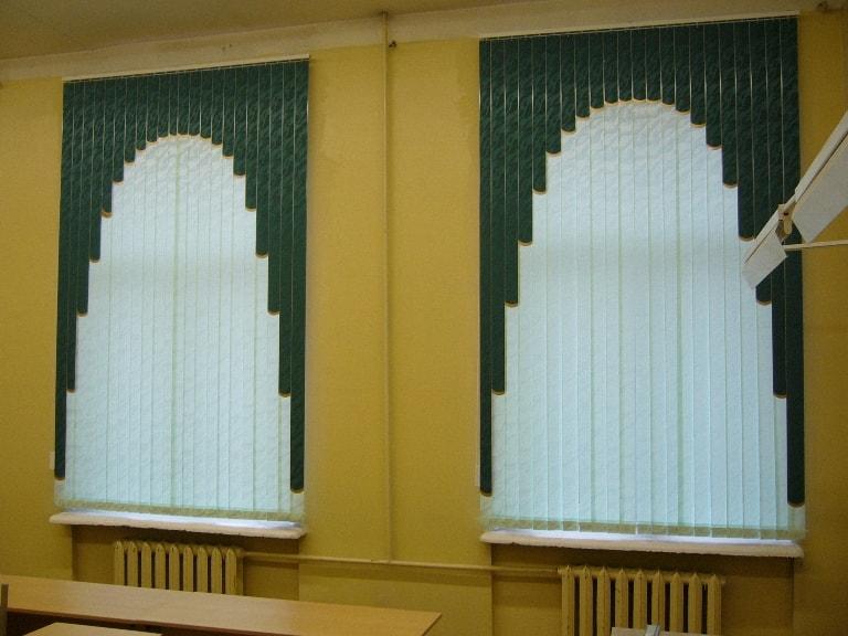 Вертикальные и мультифактурные жалюзи в офисе
