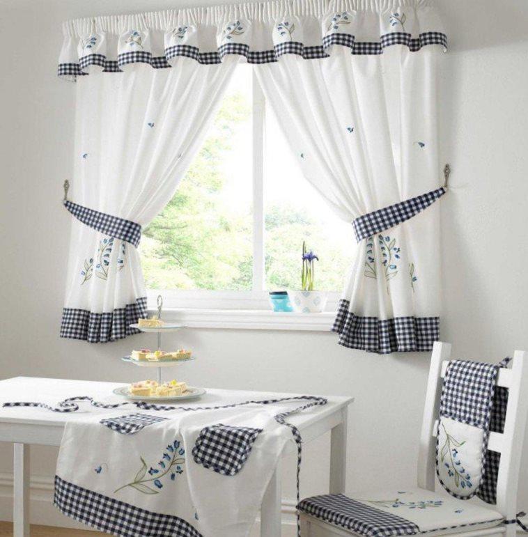 классические шторы кантри в кухне