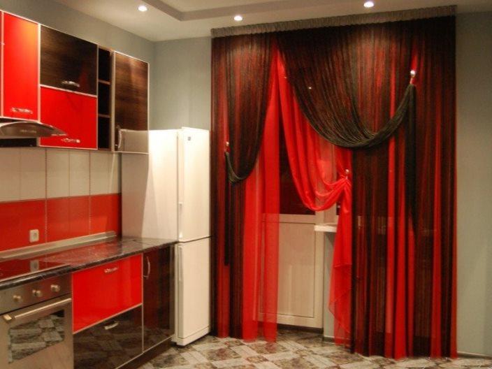красиво повесить нитяные шторы на кухню