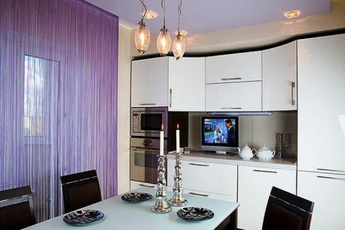 красиво повесить шторы лапша на кухню