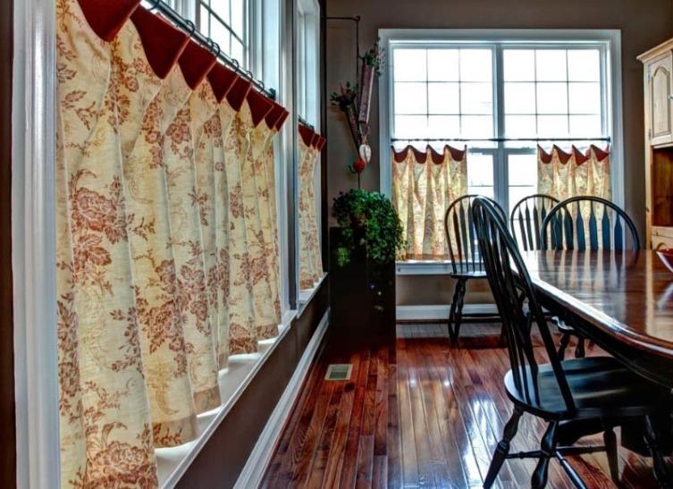 льняные шторы в столовой