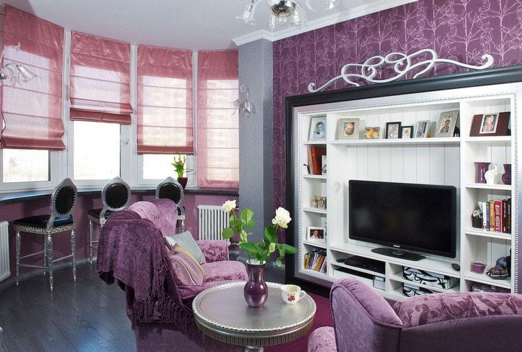 римские шторы в гостиной с эркерными окнами