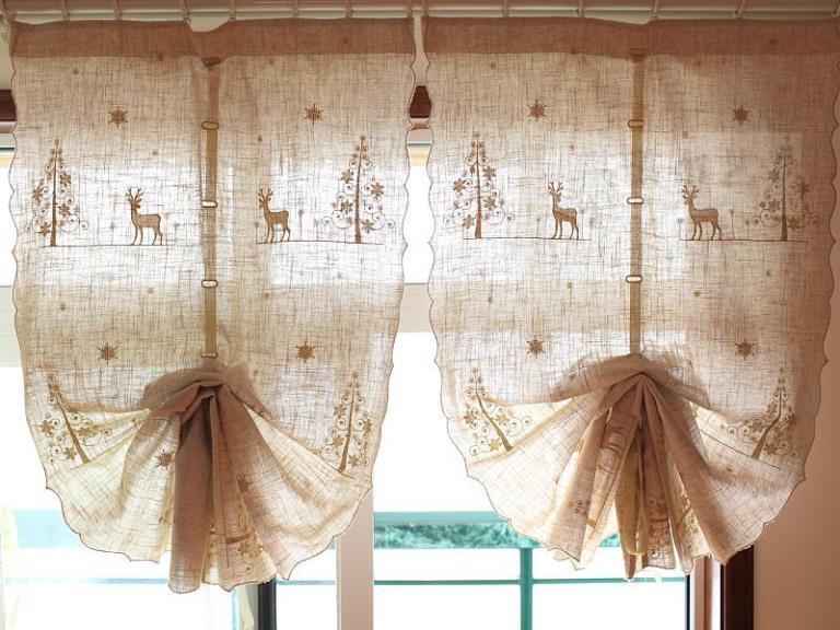 шторы кантри собранные внизу веером