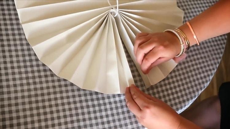 сводим обойные складочки шторы