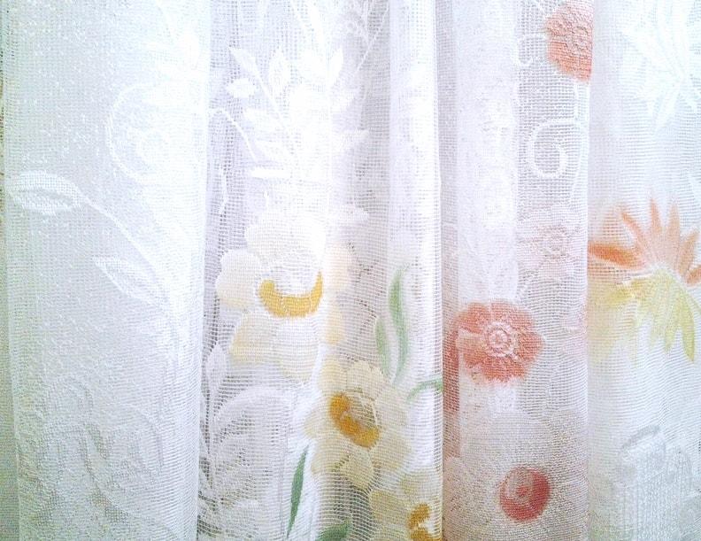 тюль с цветочным рисунком