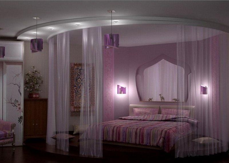 зонировать пространство с помощью полукруглого карниза для штор
