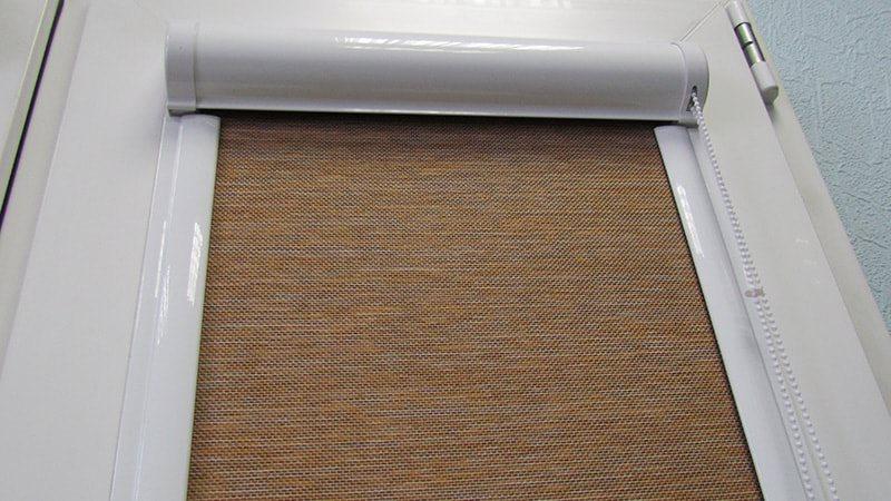 кассетные рулонные жалюзи с направляющими