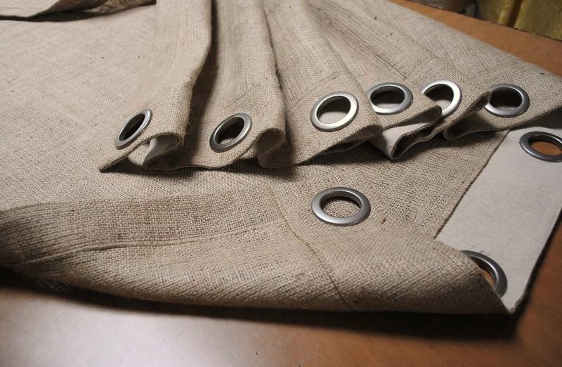 люверсы на шторе из мешковины