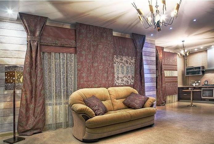 римские шторы и портьеры из гобелена в сочетании