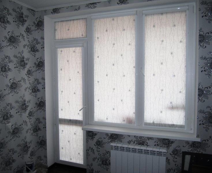 ролл шторы в гостиной
