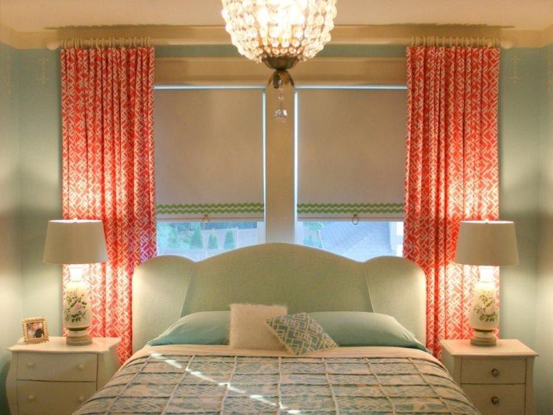 ролерные шторы в сочетании с портьерами