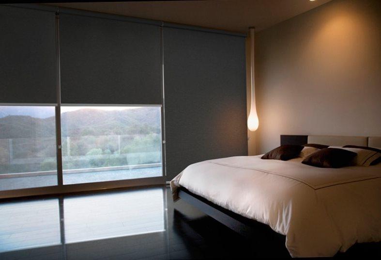 роликовые шторы в спальню blackout