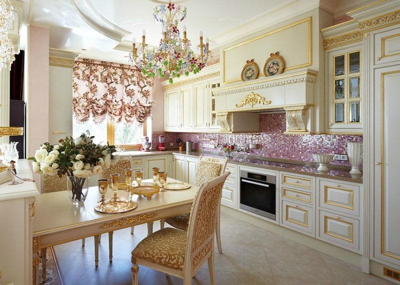 кухня в белом и золоте