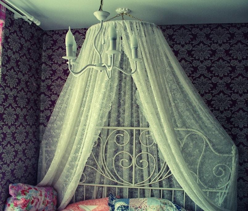 на двухъярусную кровать