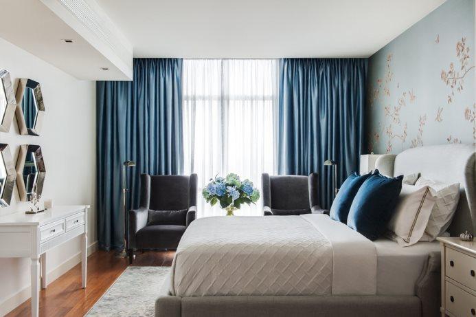 шторы из габардина в современной спальне