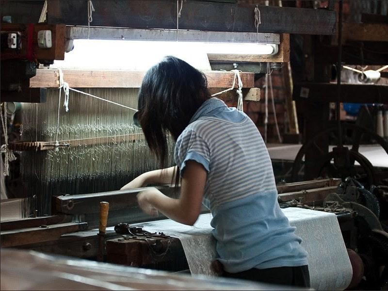 станок для производства шелковой ткани