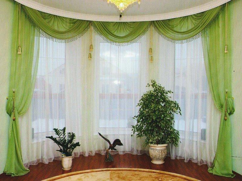 зеленый шифоновые шторы с изящным ламбрекеном