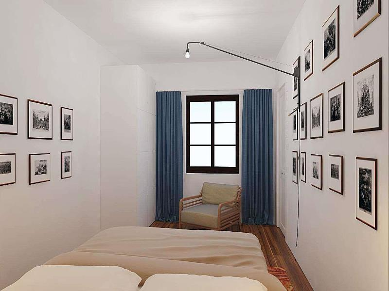 шторы из полисатина в узкой спальне