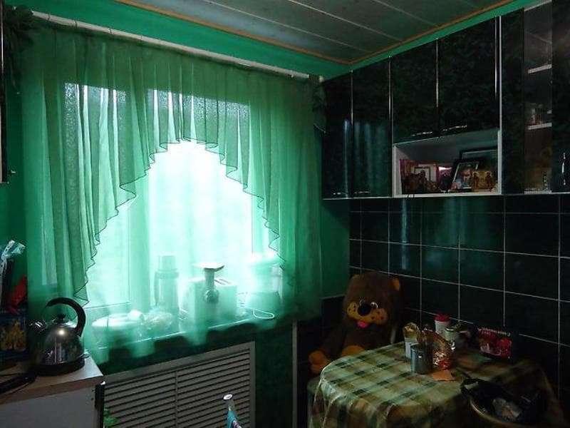 арочный тюль в сочетании с прямой на одном окне