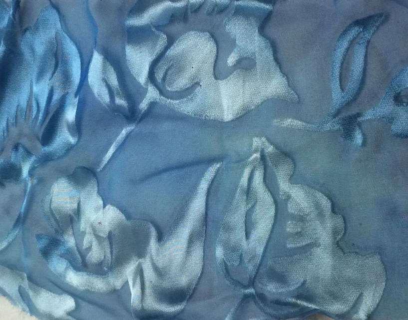 деворе ткань из голубого бархата