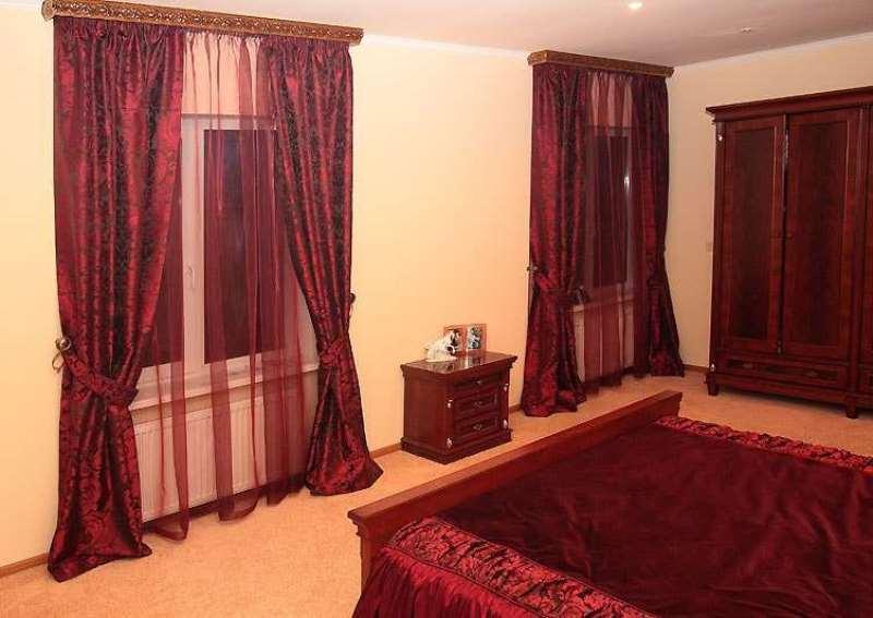 шторы тюль и постельное белье в один цвет