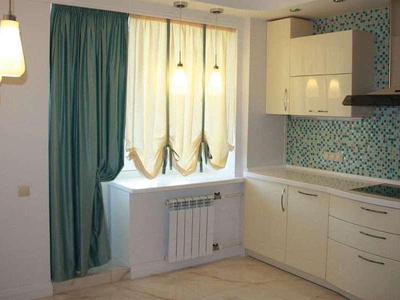 сочетание белого бежевого и зеленого в интерьере кухни