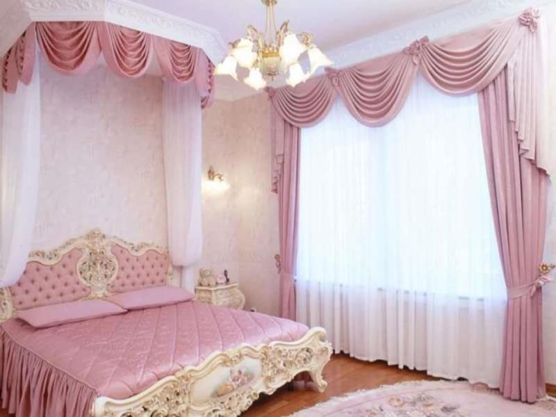 стиль барокко и рококо лучше всего подходят для воздушных занавесок и балдахинов