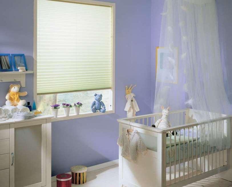 для новорожденного лучше выбирать нейтральных цветов