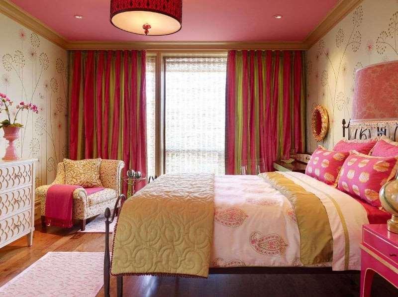 розовый золотистый и бежевый в спальне