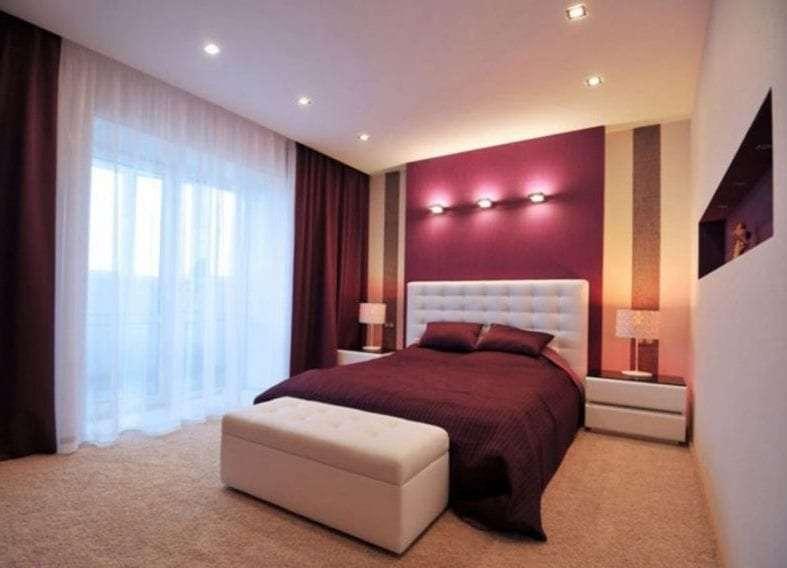 в современной спальне