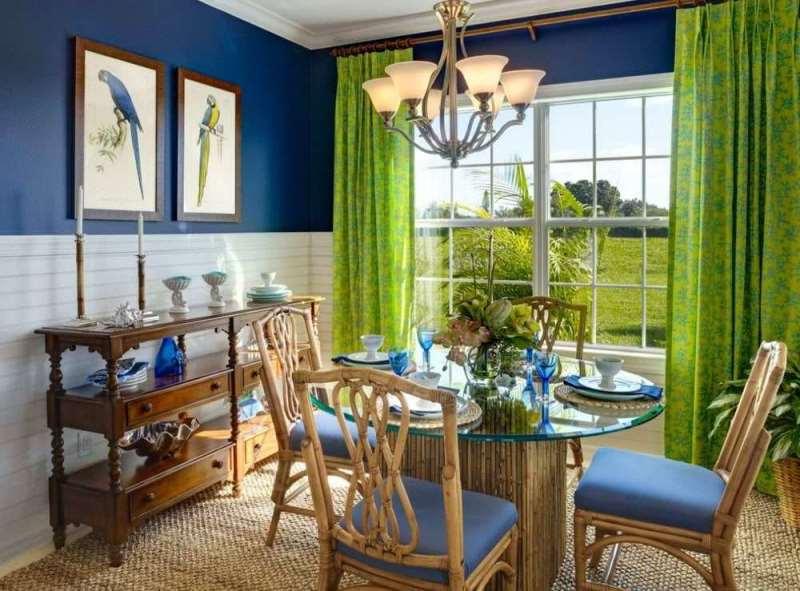 салатовые шторы и синие стены