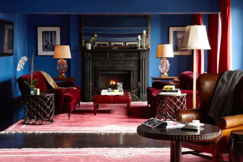 синий цвет придаст красному более умиротворяющие свойства