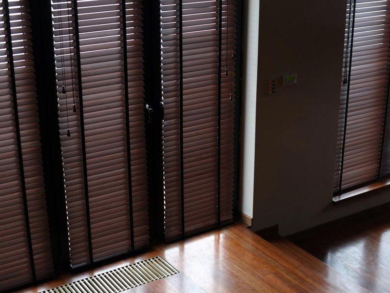 пластиковые дверные жалюзи