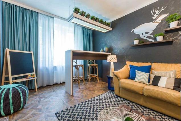 подростковая комната с шторами бирюзового света