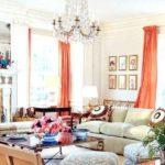 шторы кораллового цвета в гостиной