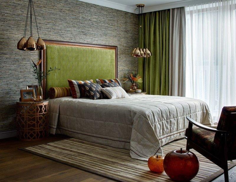 оливковые портьеры в спальне