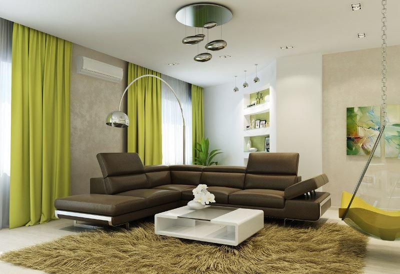 сочетание фисташковых штор и коричневой мебели